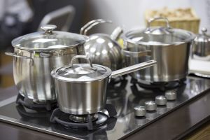 cooking with stainless steel pans
