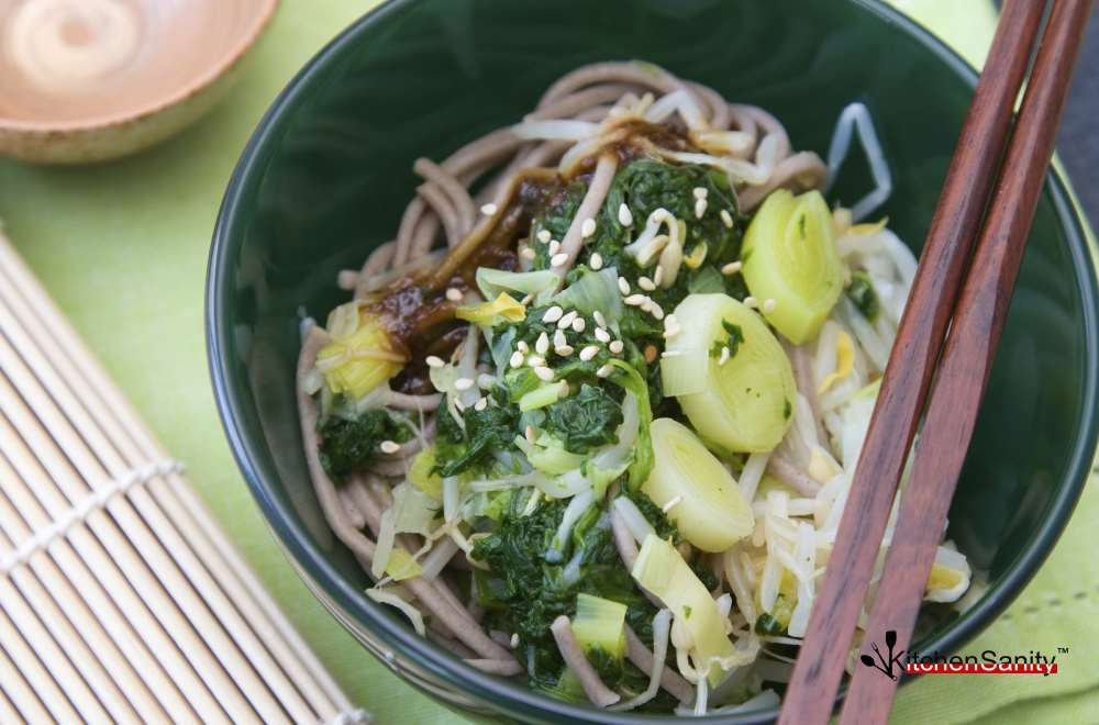 Japanese Soba Noodles With Spinach And Leek