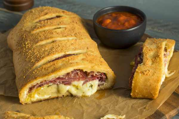 what is a stromboli