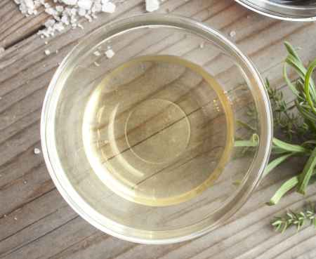 white vinegar in dish